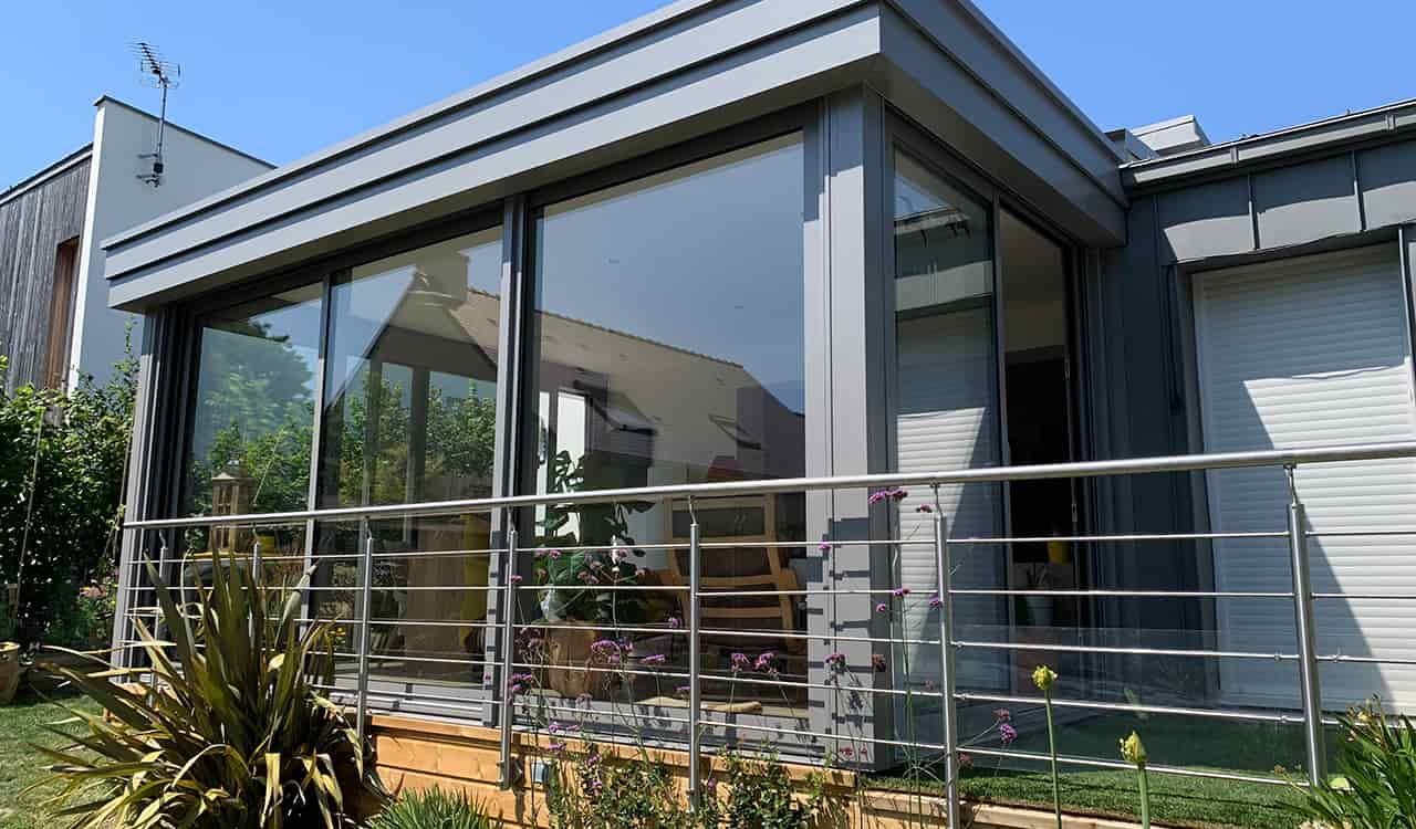 Une véranda extension salon à Sucé-sur-Erdre (44) - Rénoval