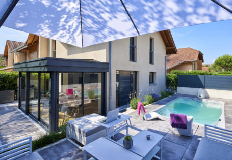 Véranda extension en aluminium pour cuisine et salle à manger - Rénoval 74 - AZ Habitat
